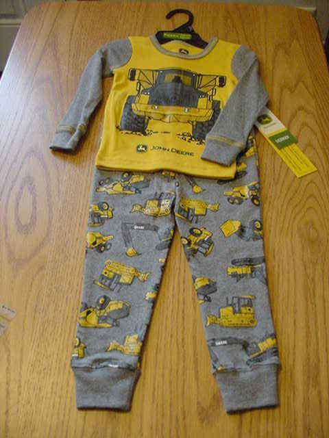 3b8f61d2de07 Boy s Toddler 3t John Deere Tractor LS Pajamas PJ Set