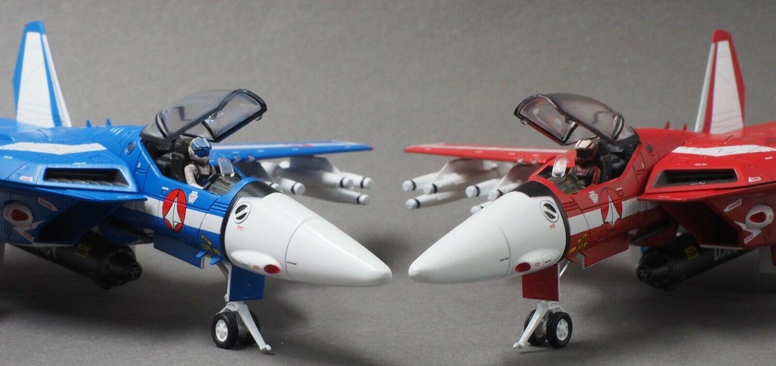 Calibre Wings 1//72 Scale Macross VF-1J Max /& Miriya Diecast Valkyrie CA72RB0708