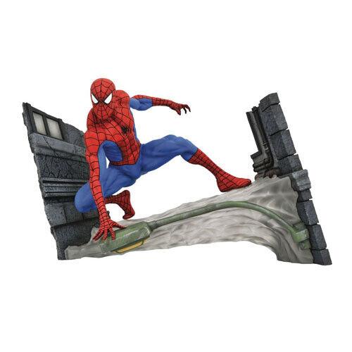 MARVEL  Marvel Gtuttiery  Spideruomo Webbing Pvc cifra Diamond Select