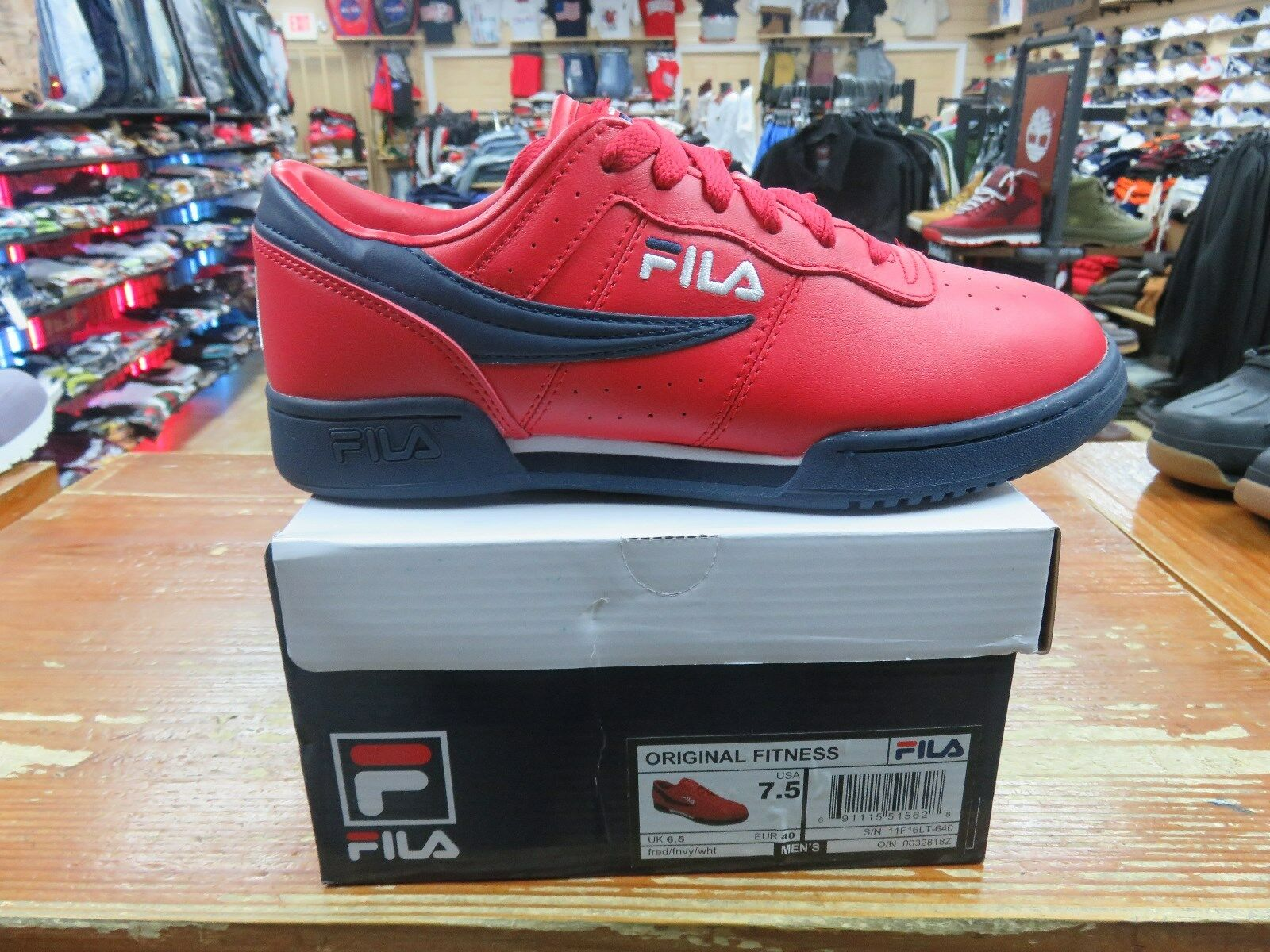 MENS LOW FILA. ORIGINAL FITNESS FRED FNVY WHT