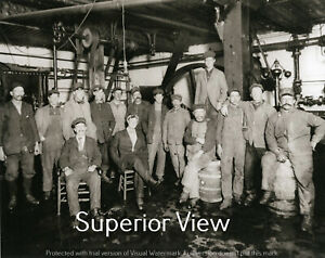 Old-Time-Brewery-Upper-Peninsula-Brewing-Co-Crew-Beer-Barrels-Marquette-MI-LOOK