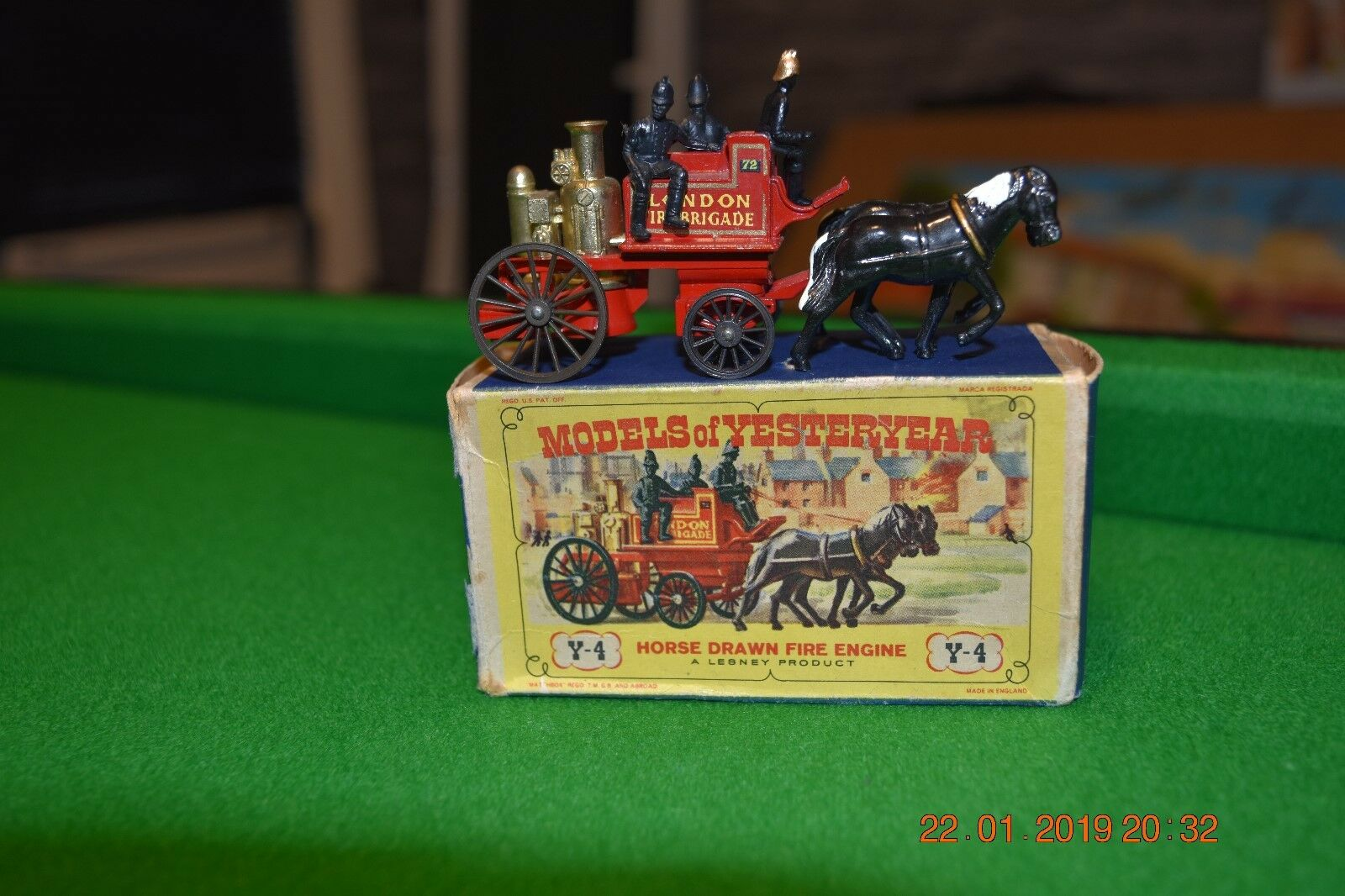 MATCHBOX Y4-2 SHAND MASON HORSE DRAWN FIRE ENGINE MODEL OF YESTERYEAR.