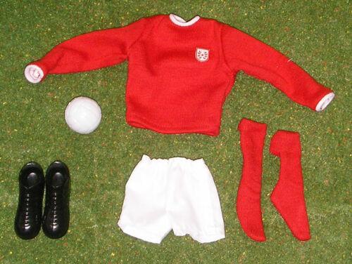 Vintage Action Man 40th Sportsman loose footballeur Bottes Rouge Bande Etc