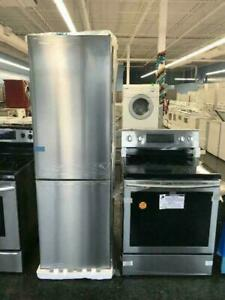 Apartment Size Fridges & Stainless Steel Stoves up to 50% Off Toronto (GTA) Preview