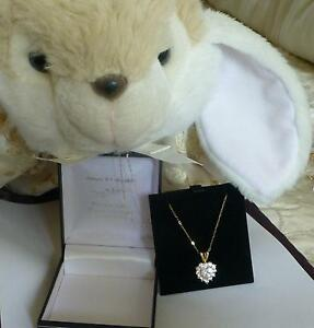 PENDANT-NECKLACE-CRYSTAL-SPARKLING-LOVE-HEART-9ct-SOLID-GOLD-CHAIN-STUNNING