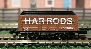 Graham-Farish-N-Gauge-2130-7-Plank-Wagon-Harrods-Brown