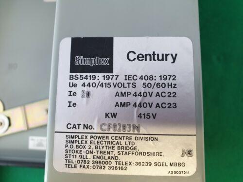 Simplex Century 20 Amp Fusible revestido de metal Interruptor 3 polos