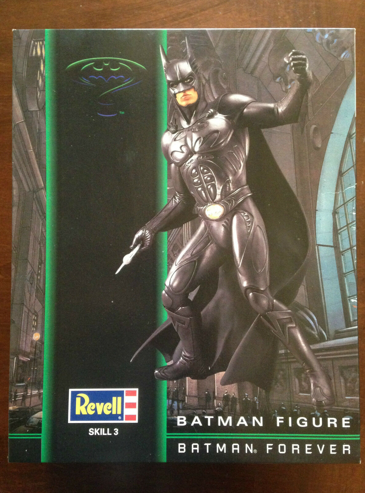 BATMAN FOREVER SKILL3 REVELL KIT SKALA 1 6 NEW