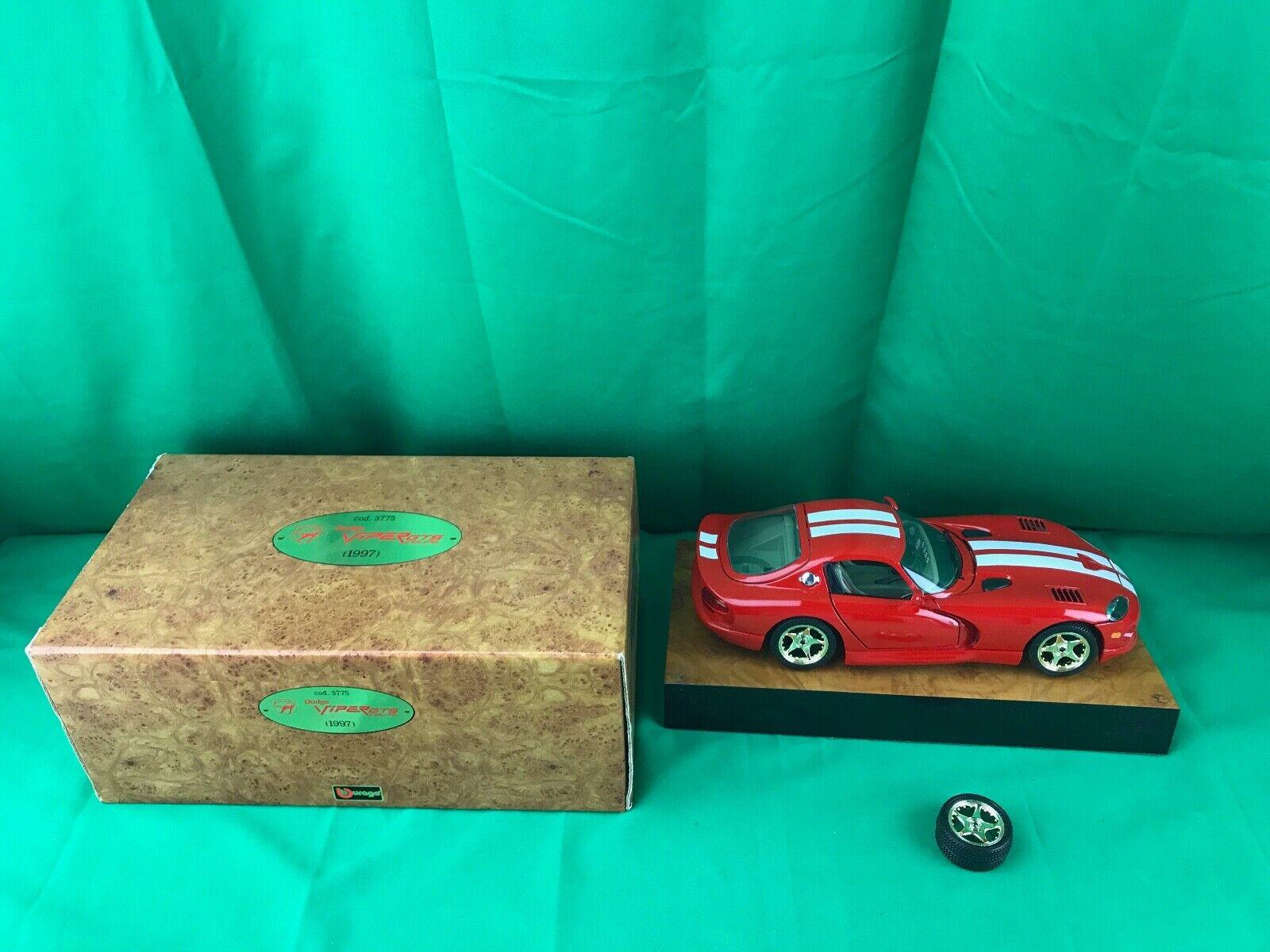 Bburago Dodge 1997 Viper GTS Coupe Die Cast Replica Burago