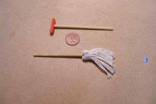 1:12 SCALA Pennello da cucina pulizia Mop /& SCOPA tumdee Casa delle Bambole in Miniatura