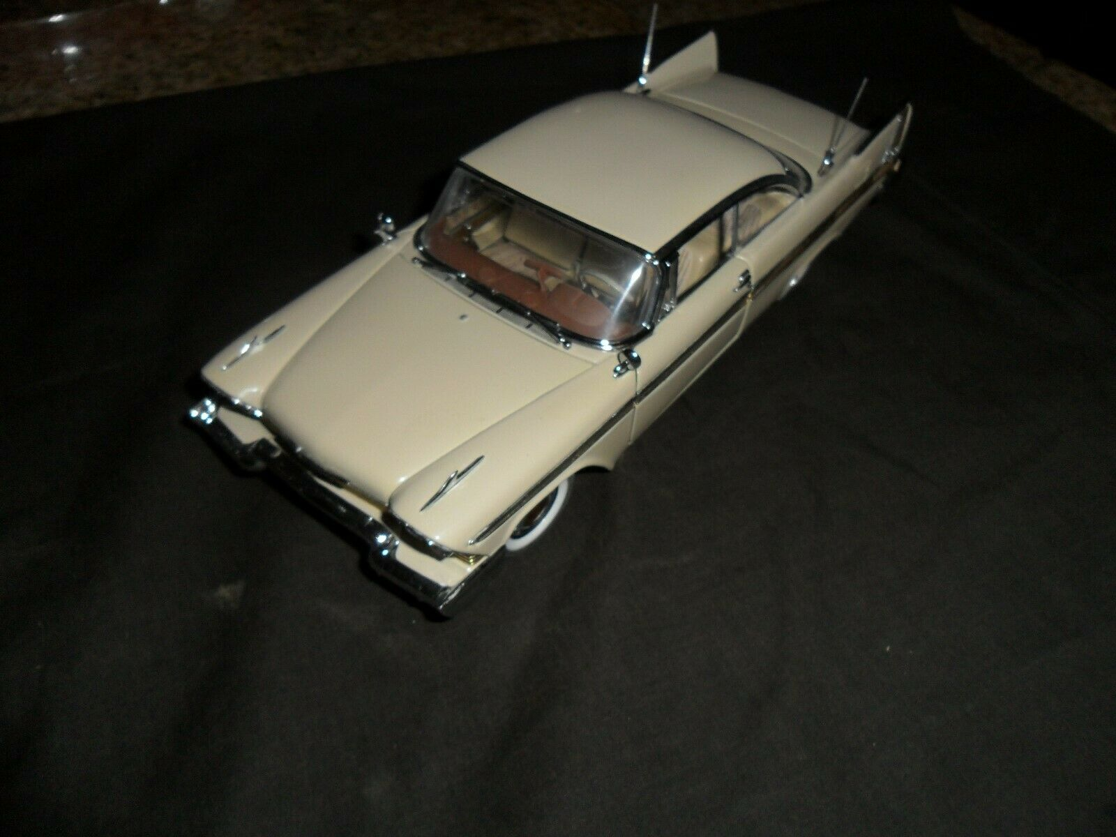 DANBURY MINT 1958 PLYMOUTH FURY COUPE 1 24 SCALE HEAVY DIECAST FACTORY FRESH