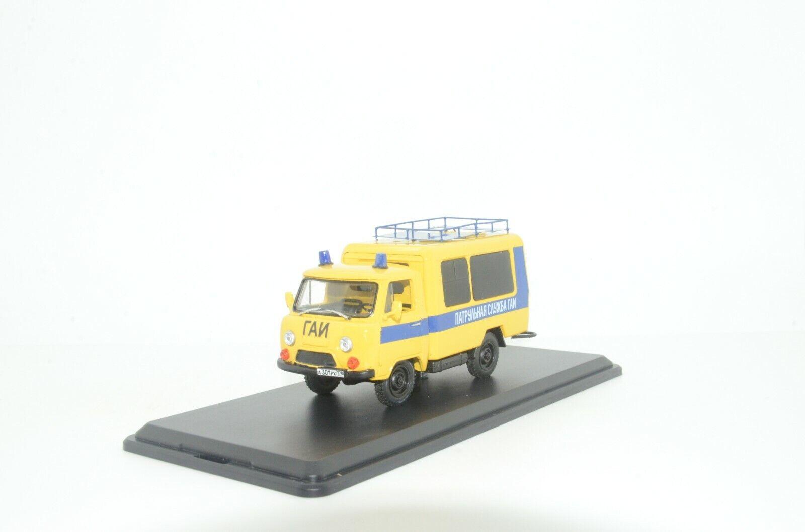 Envío y cambio gratis.      rara    UAZ 452 policía coche hecho a medida 1 43  genuina alta calidad