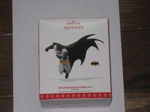 2017-Hallmark-Ornament-The-Guardian-of-Gotham-City-Batman-New-In-Box