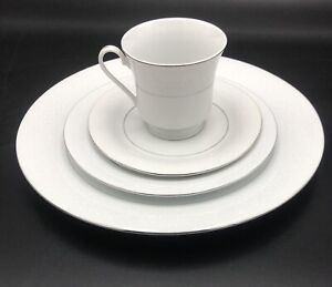 Fine-China-White-Lace-4-Piece-Place-Setting-Floral-Lace-Pattern-W-Silver-Trim