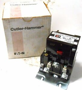 CUTLER HAMMER NEMA SIZE 0 MOTOR STARTER 120 VAC COIL 600 VAC 5 HP 3 PHASE A10BN0