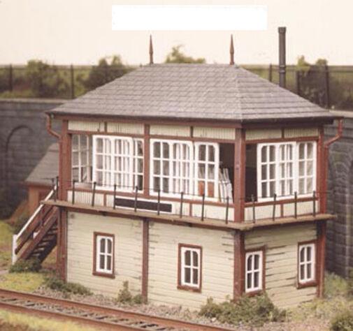 Ratio 536 - Midland Railway Signal Box - 1/76 Scale = 00 Gauge Plastic Kit T48Po