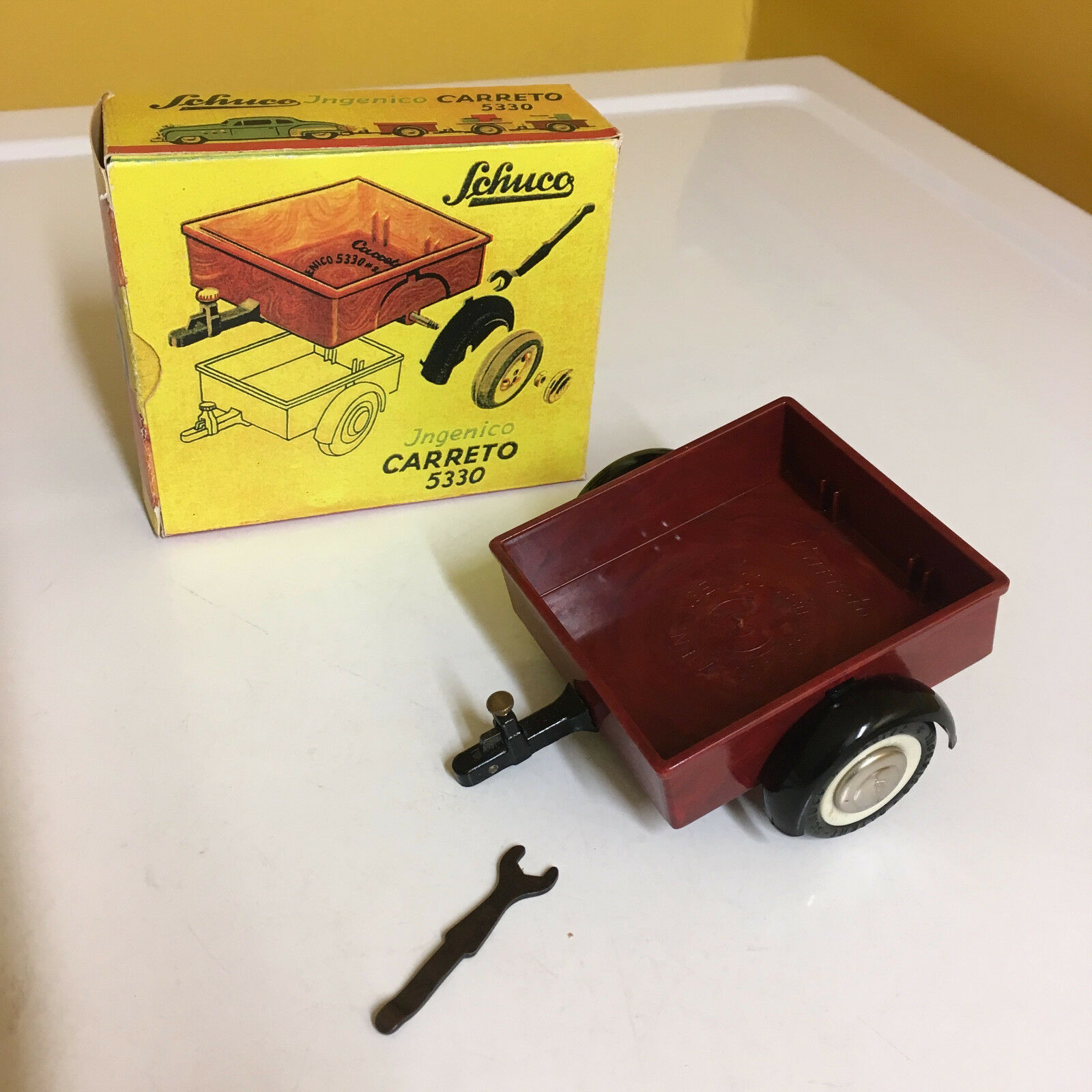 SCHUCO VINTAGE INGENICO CARRETO 5330 (TRAILER) FOR INGENICO SERIES OF MODEL CARS