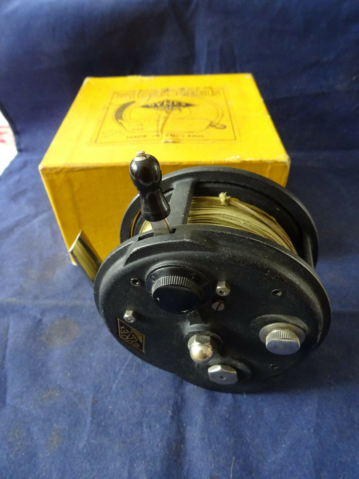 A VERY GOOD  VINTAGE 4  MILWARDS GYREX CASTING CENTREPIN REEL  quality product