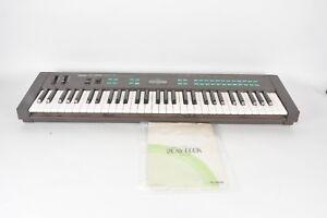 Yamaha-DX27-Digital-Programmable-Algorithm-Synthesizer