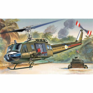 ITALERI-UH-1D-Slick-Helicopter-1247-1-72-Aircraft-Model-Kit
