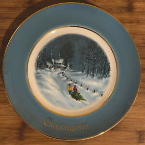 Avon-Wedgwood-New-old-Stock-Christmas-Bringing-Home-The-Tree-1977