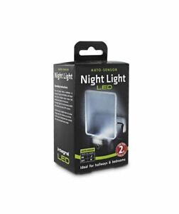 Integral-Auto-Sensor-Dusk-to-Dawn-LED-Night-Light-Plug-In-cool-white-bedroom