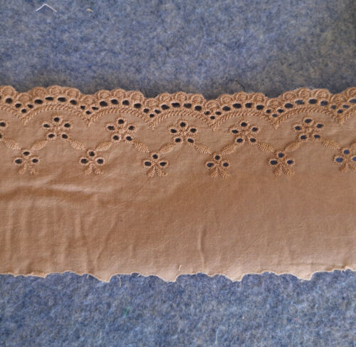 "3/"" wide Vintage Eyelet Cotton Fabric Lace /& Embroidered Flower Light Beige b0195"