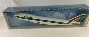 Alitalia 747-200 1:250 Model Airplane Aircraft, New In Box - CMD Brand Holland