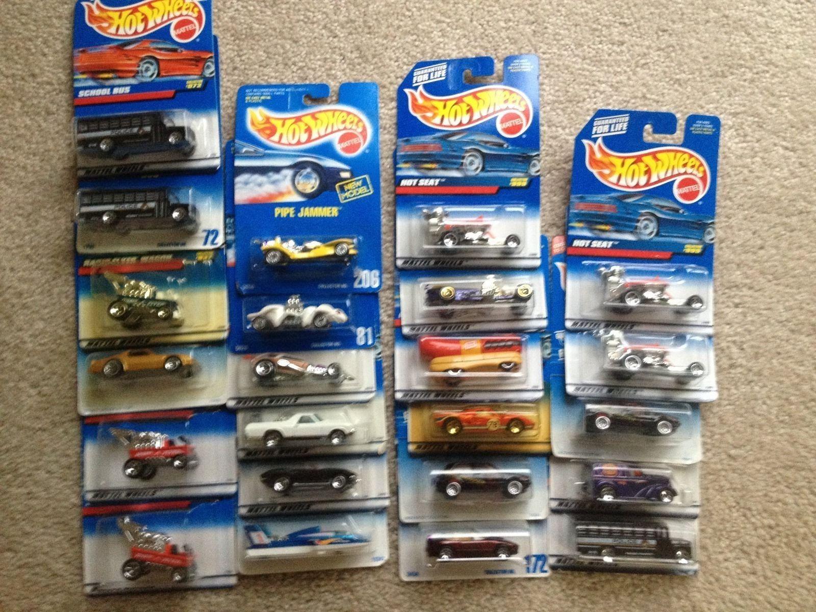 HOT WHEELS RANDOM LOT  23 CARS