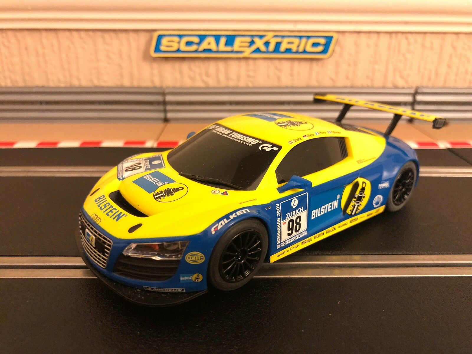 Scalextric Digital Audi R8 LMS GT3 'Bilstein' No98 C3045 Mint Condition