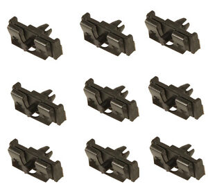 Volvo bump strip clips