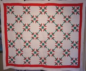 ANTIQUE-CHRISTMAS-CACTUS-QUILT-C-1930-ONE-OF-A-PAIR-LISTED