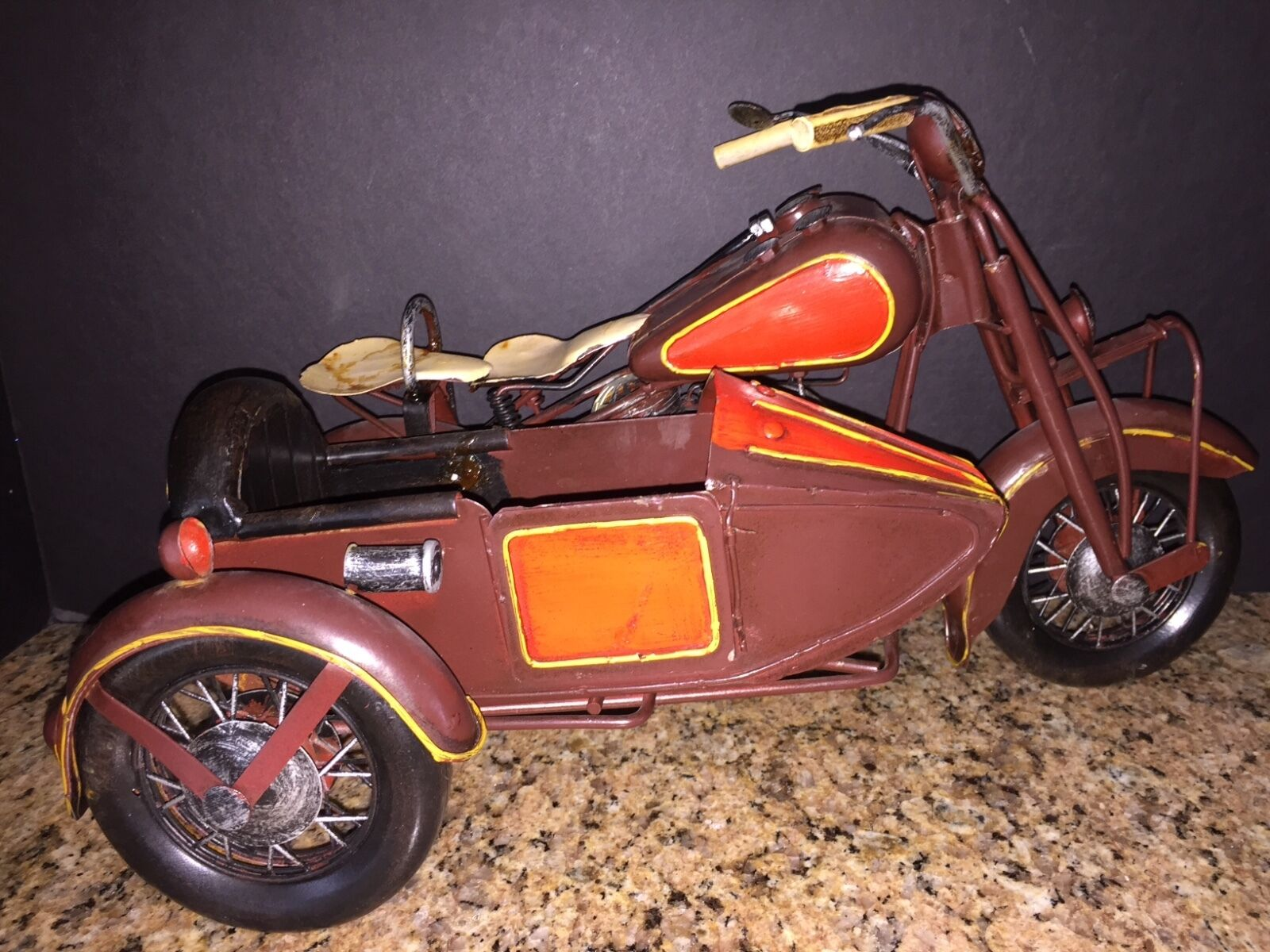 1933 HARLEY DAVIDSON MOTORCYCLE WITH SIDE CAR DIECAST METAL RARE 7.5  x 15