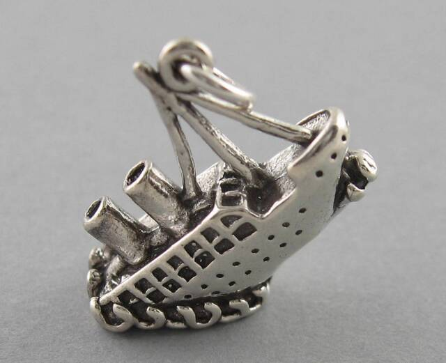 New Sterling Silver Charm Pendant 3D TITANIC SINKING SHIP 2637