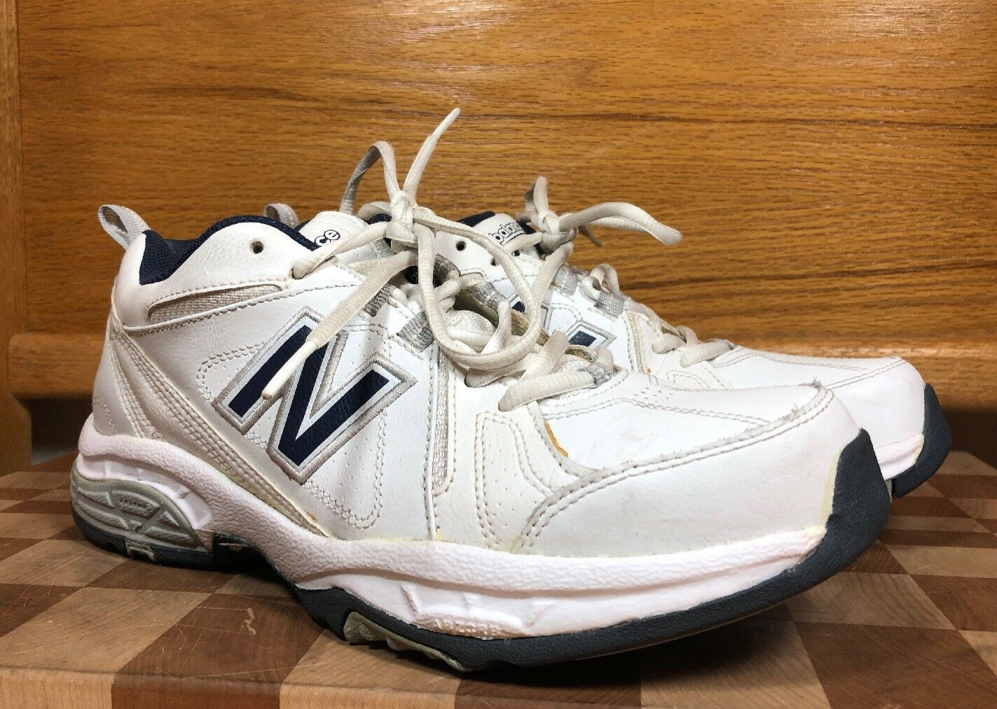 New Balance Men's 8.5 MX608V3W Cross Training Athletic White bluee shoes