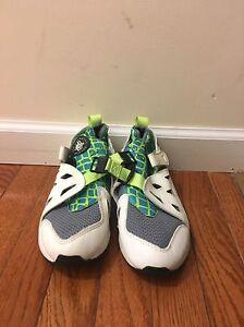 79f40cb74969a Vintage Nike Air Huaraches Plus NWOB White Neon Green Blue Gray Size ...