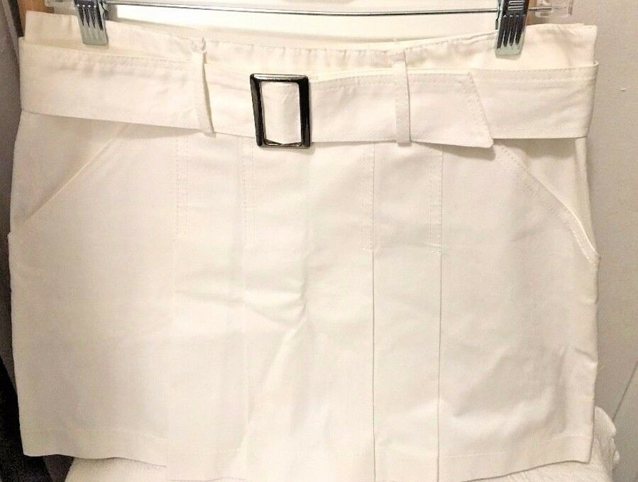 SA VA Made in  WHITE PLEATED BELTED SKIRT SZ 40..nwot 100% cotton BEAUTIFUL
