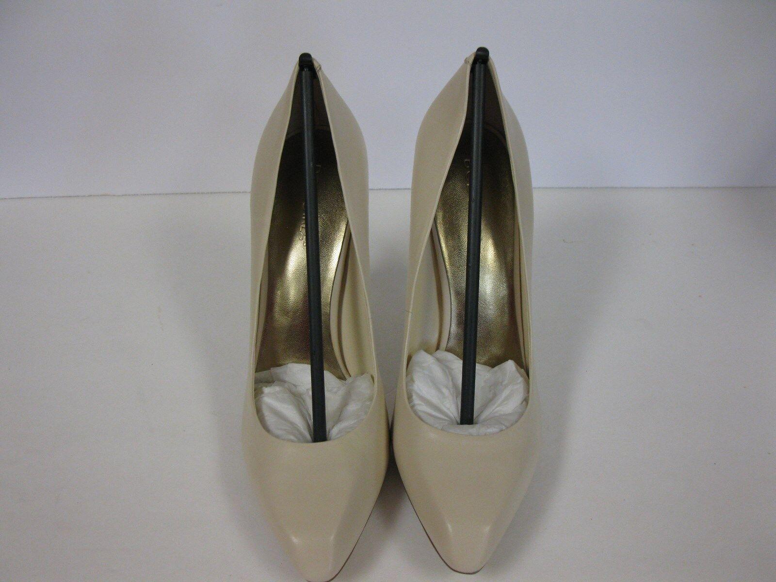 BCBGirls Cream puff Leder high heel schuhe. bg-parrot