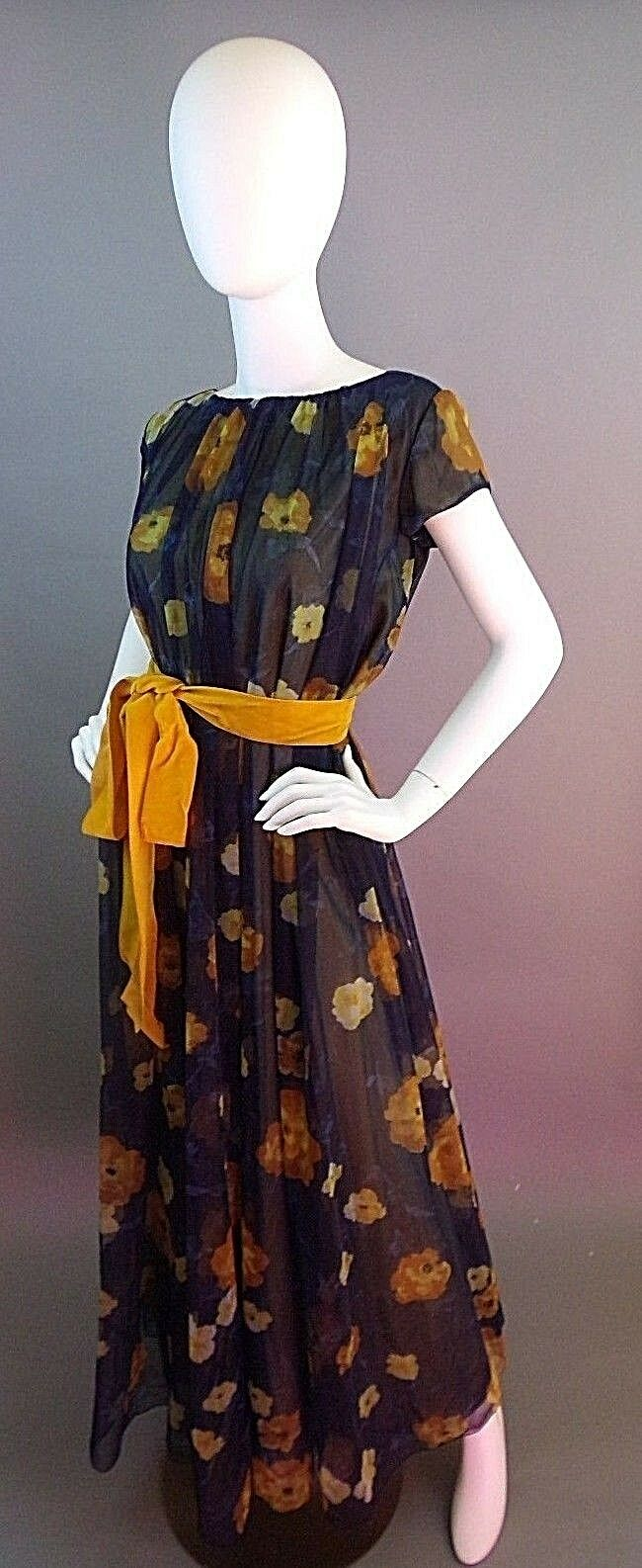 VINTAGE LUCIE ANN BEVERLY HILLS 1950s NIGHTGOWN - image 5