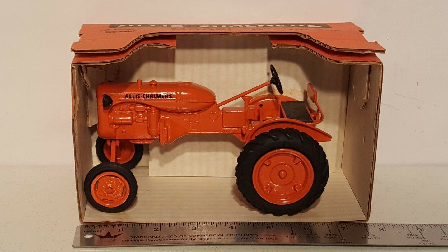 Allis Chalmers B 1 16 diecast farm tractor replica by Pioneer Collectibles