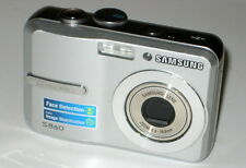 Samsung Digimax S860 8.1 MP Digital Camera - Silver