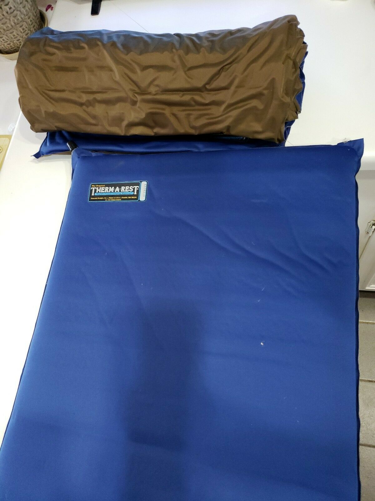 Pair of Therm-a-Rest Sleeping Pad - 20x72