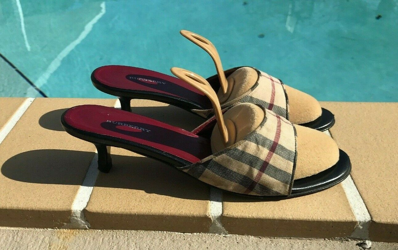 BURBERRY NOVA CHECK PRINT FABRIC SLIDE SANDALS PUMPS  Sz 36M MADE IN ITALY