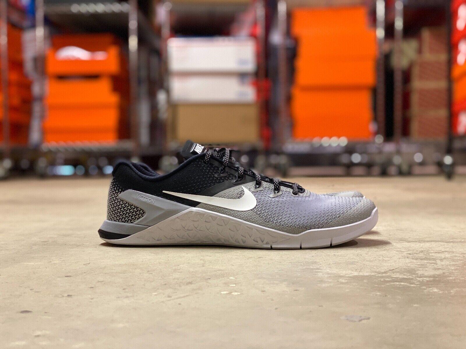 Nike Womens Metcon 4 Training Shoes