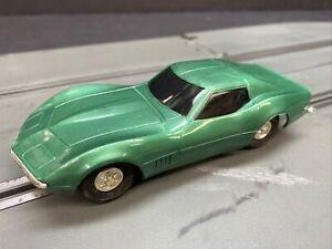 Vintage-Eldon-Chevy-Corvette-Sting-Ray-1-32-Scale-slot-car