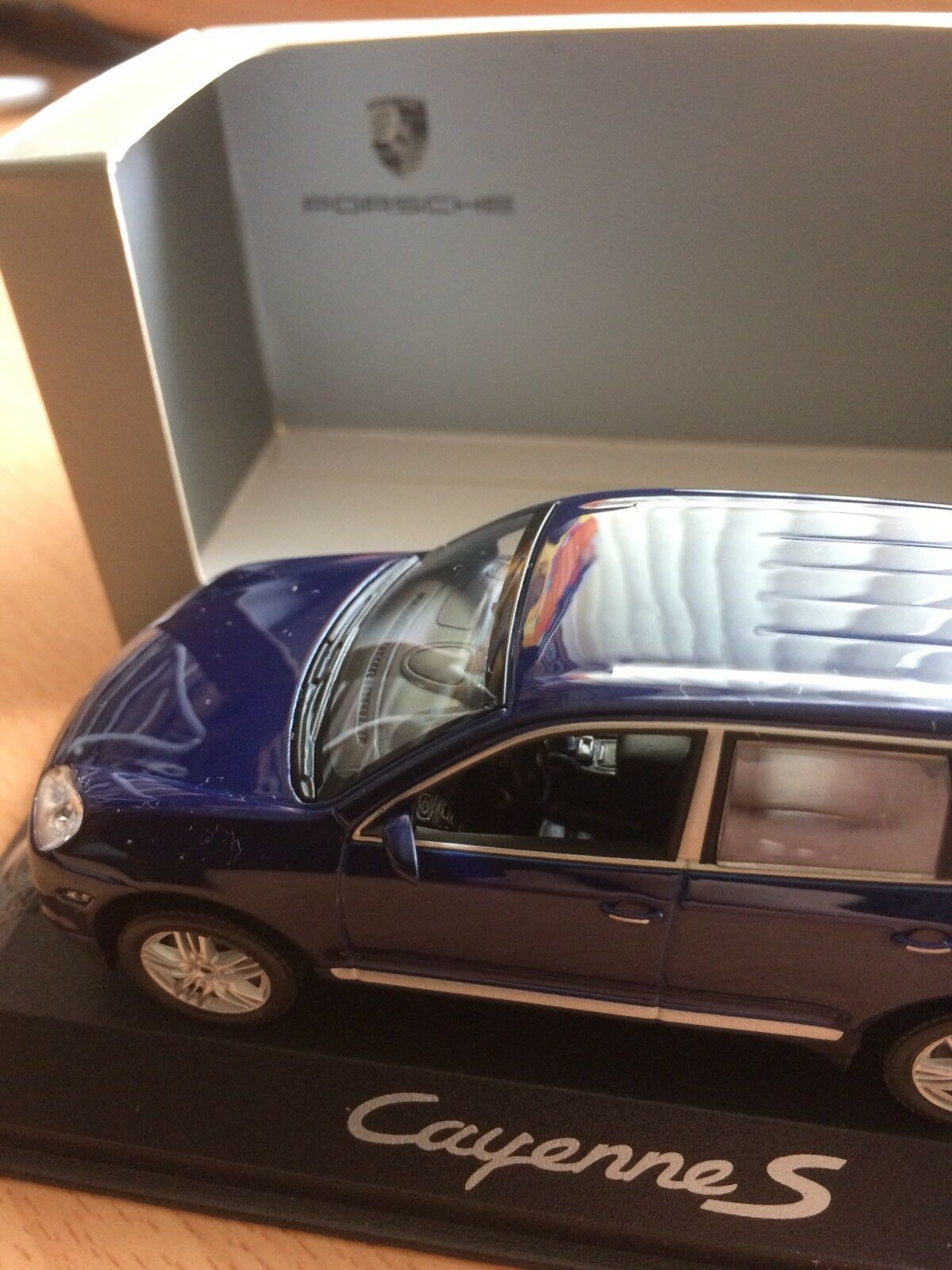 Dealer Edition Porsche Cayenne S 2007 1 43 Type 9PA Facelift bluee WAP 020 612 17