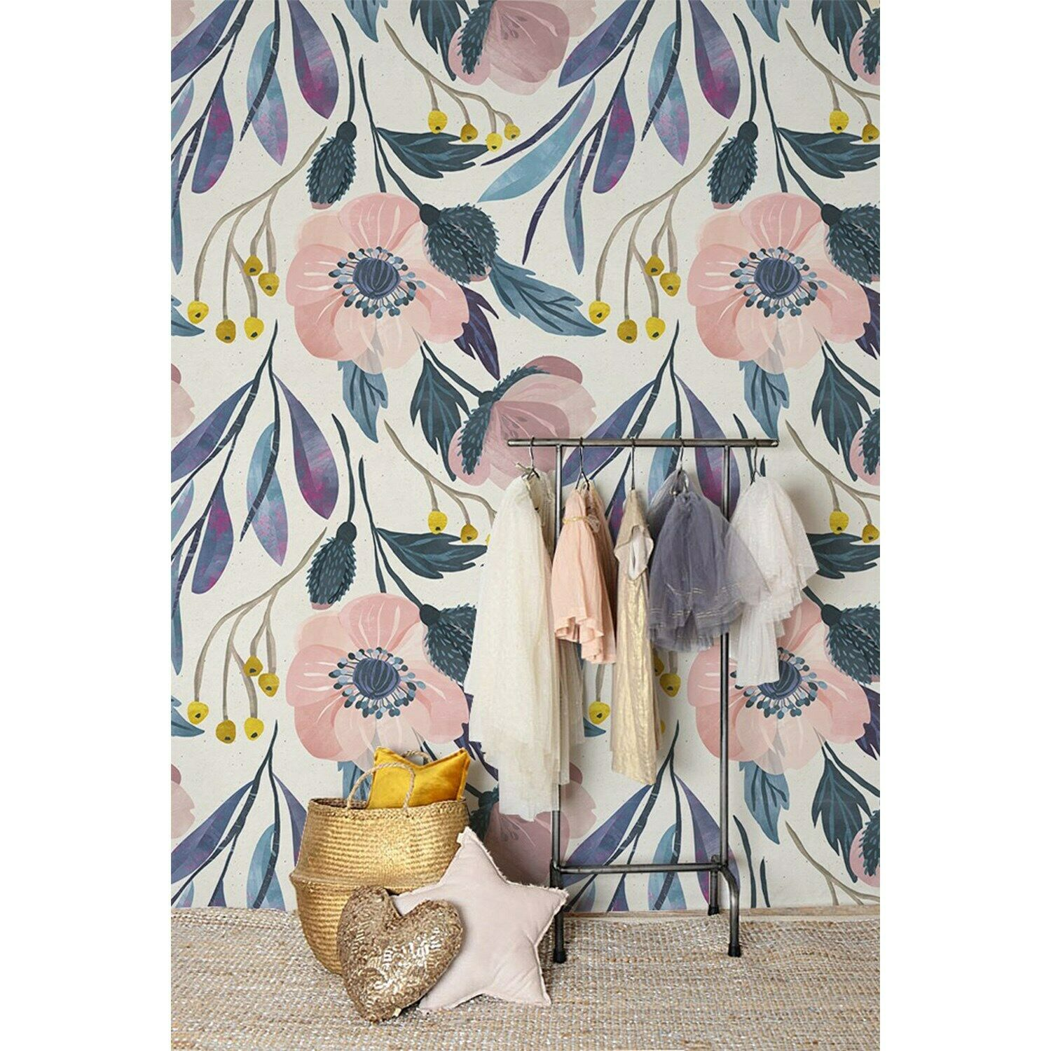 Non-Woven wallpaper Dangle Flowers Pastels Floral Patern Traditional Home Mural