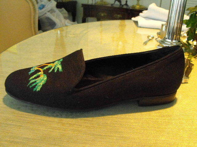 Superb JON JOSEF Black Black Black Silk, Heeled Slippers w Embroidered Palm Tree Motif  8M 5848e2