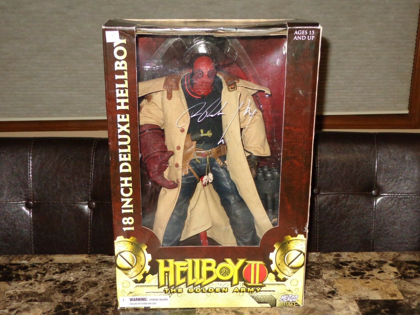 Hellboy 2 Rare Signed Autographed Mezco 18