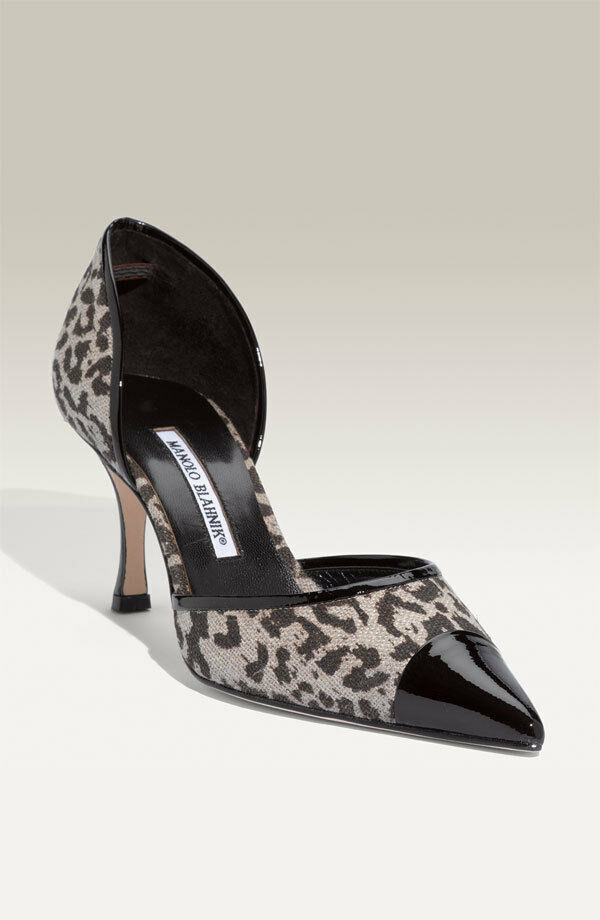 Manolo Blahnik Dorle Leopard Print Pumps shoes 8,5  850